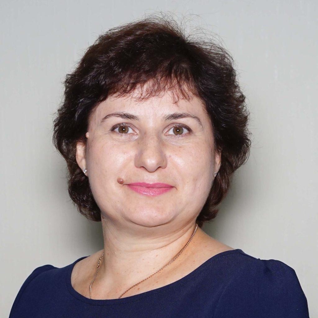Сугакова Олена